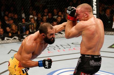 Hendricks (esquerda) foi derrotado por GSP no UFC 167. Foto: Josh Hedges/Zuffa LLC