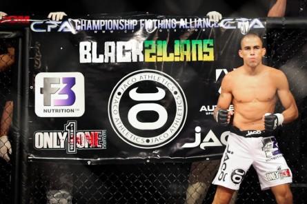 Soriano encara Kawajiri no UFC Cingapura. Foto: Reprodução/Facebook