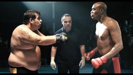 """A. Silva (dir.) e o ator Leandro Hassum (esq.) no filme """"Até que a sorte nos separe 2"""". Foto: Reprodução"""