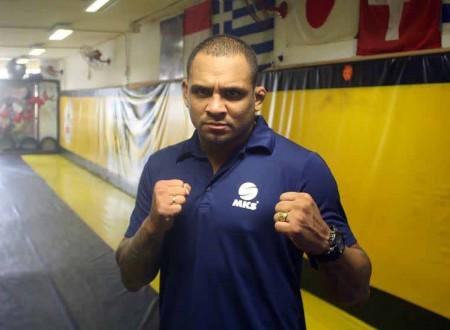L. Besouro (foto) faria sua segunda luta no UFC. Foto: Divulgação