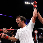 L. Rockhold (foto) cogita luta com Machida. Foto: Esther Lin/Strikeforce