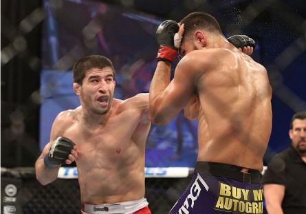 Khabilov (esq.) quer enfrentar Henderson no UFC 173. Foto: Divulgação/UFC