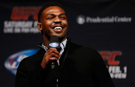 Jones (foto) não se vê enfrentando Weidman em um futuro próximo. Foto: Josh Hedges/UFC