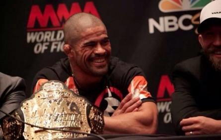 R. Toquinho (foto.) encara J. Fitch no WSOF 16. Foto: Produção SUPER LUTAS (UFC/Divulgação)