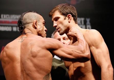 Rockhold (dir.) e Belfort (esq.) se enfrentaram em 2013, com vitória do brasileiro. Foto: Josh Hedges/UFC