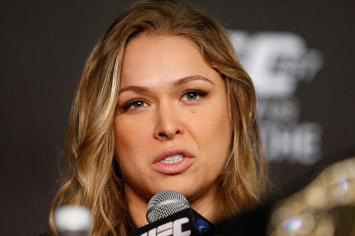 Ronda Rousey (foto) voltou a falar sobre possível luta com Cyborg. Foto: Josh Hedges/UFC