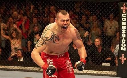 Sylvia (foto) foi lutador do UFC entre 2002 e 2008.Foto: Divulgação/UFC