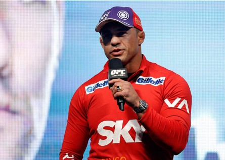 Belfort (foto) já poderá lutar de forma imediata no Brasil. Foto: Josh Hedges/Zuffa LLC