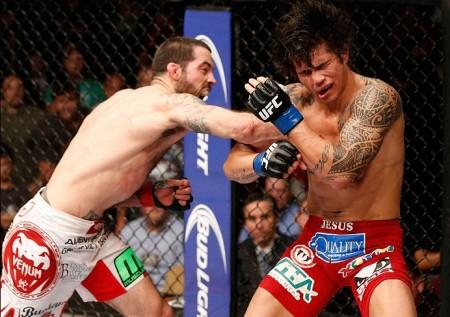 Erick (dir.) foi derrotado por M. Brown (esq.) em maio. Foto: Josh Hedges/UFC