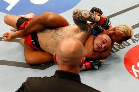 D. Sarafian (foto) é finalizado no UFC 174. Foto: UFC