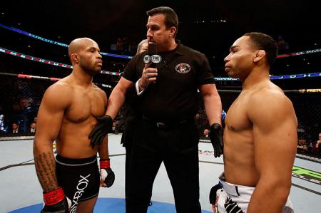 Johnson (esq.) e Dodson (dir.) se enfrentaram em 2013. Foto: Josh Hedges/UFC