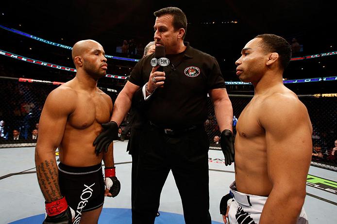 Johnson (esq.) e Dodson (dir.) farão revanche no UFC 191. Foto: Josh Hedges/UFC