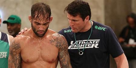 Bomba (esq.) ouve conselhos de Sonnen no TUF. Foto: Luiz Pires Dias/UFC