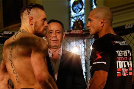 McGregor (esq.) e Brandão (dir.) fazem a luta principal do UFC Fight Night 46. Foto: Josh Hedges/UFC