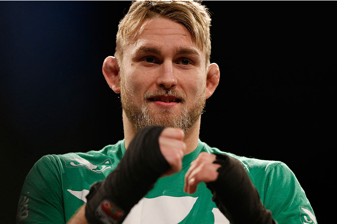 A. Gustafsson (foto) enfrentará Johnson em janeiro. Foto: Josh Hedges/UFC