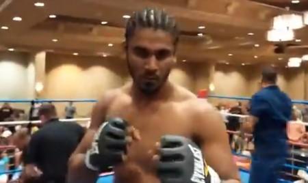 Dissanayake (foto) voltou às lutas com vitória relâmpago. Foto: Reprodução/YouTube