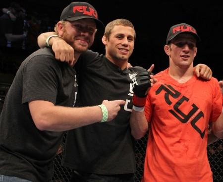 Faber (centro) e Dillashaw (dir.) treinam juntos na Team Alpha Male. Foto: Josh Hedges/UFC