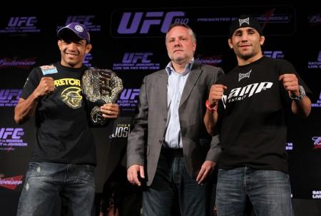 J. Aldo (esq.) e Mendes (dir.) antes da primeira luta deles, no UFC Rio 2. Foto: Josh Hedges/UFC