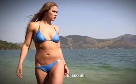 Ronda fez ensaio fotográfico na paradisíaca Ilha de Caras. Foto: Reprodução