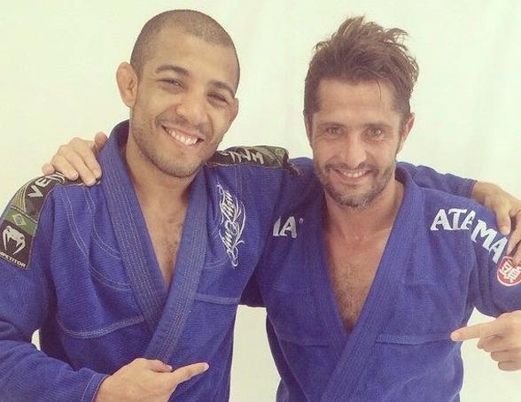 Aldo (esq.) e Lizarazu (dir.) treinaram jiu-jitsu. Foto: Reprodução/Facebook