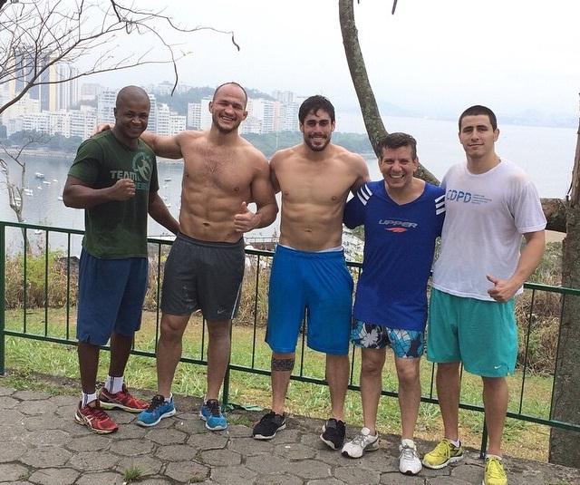 Cigano incluiu recentemente treinos na Nova União em sua preparação. Foto: Reprodução/Facebook