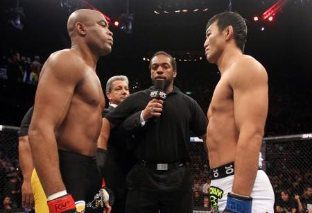 Spider e Okami na luta principal da histórica primeira edição do UFC Rio. Foto: Josh Hedges/UFC
