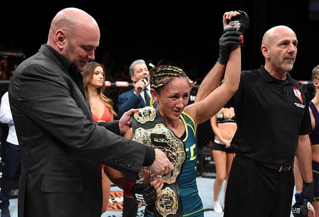 C. Esparza é a nova campeã peso palha do UFC. Foto: Getty Images
