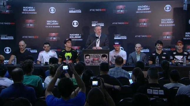 Vencedores dos bônus da noite durante a coletiva oficial do UFC Barueri. Foto: Reprodução/Twitter