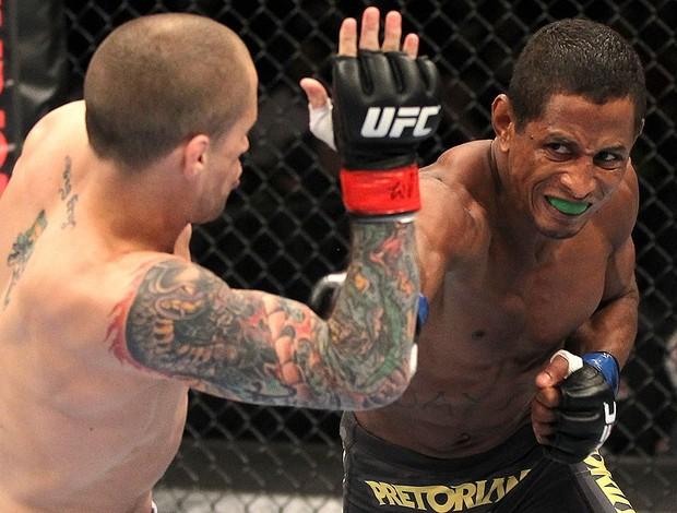 Eduardo volta ao UFC após um ano e meio contra pedreira