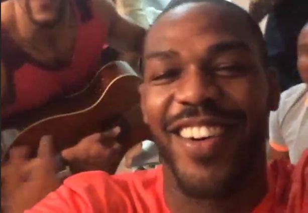 Jones curte o RS ao som de samba. Foto: Reprodução/Instagram
