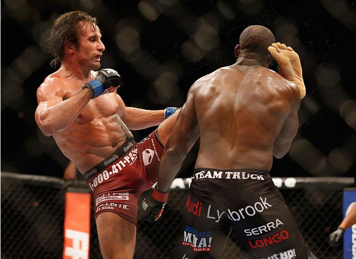 Samman nocauteou Gordon no UFC 181. Foto:  Josh Hedges/Zuffa LLC