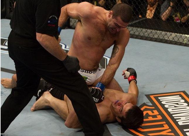 Derrota para Shogun foi eleita por Chow como o pior momento de sua trajetória. Foto: Josh Hedges/UFC