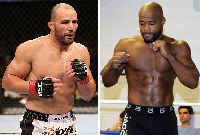 Glover (esq.) e Rashad (dir.) se enfrentam em POA. Foto: Produção Super Lutas (Josh Hedges/UFC)