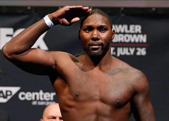A. Johnson (foto) é o novo número um na categoria até 93 kg. Foto: Josh Hedges/UFC