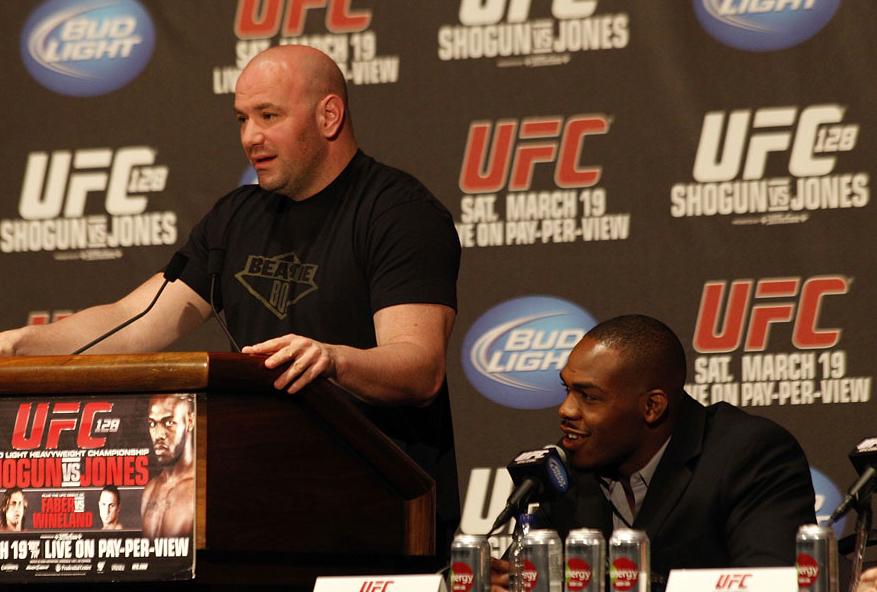 White (esq.) comentou sobre caso de Jones (dir.). Foto: Divulgação/UFC