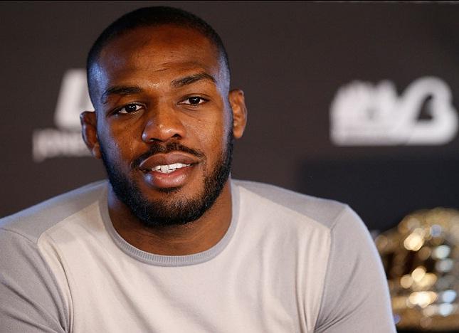 J. Jones não fez parte da lista de suspensões médicas. Foto: Josh Hedges/UFC