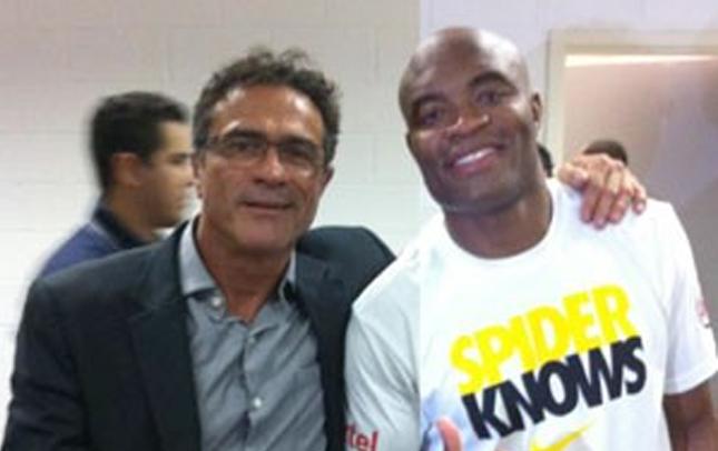 Joinha (esq.) aposta em nocaute de Anderson (dir.) no UFC 183. Foto: Reprodução/Facebook