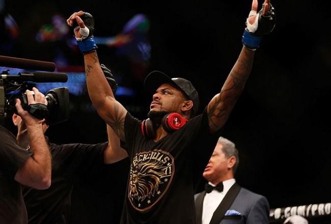 Johnson (foto) vem de boa vitória sobre Barboza em Porto Alegre. Foto: Divulgação/UFC