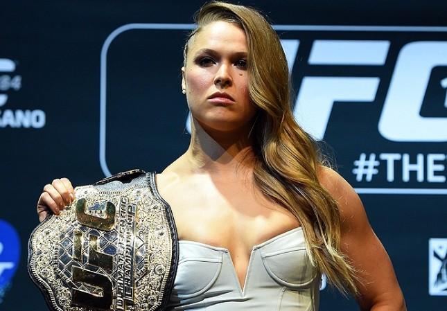 """Ronda (foto) está a 12 segundos de """"completar uma luta"""" como profissional. Foto: Josh Hedges/UFC"""