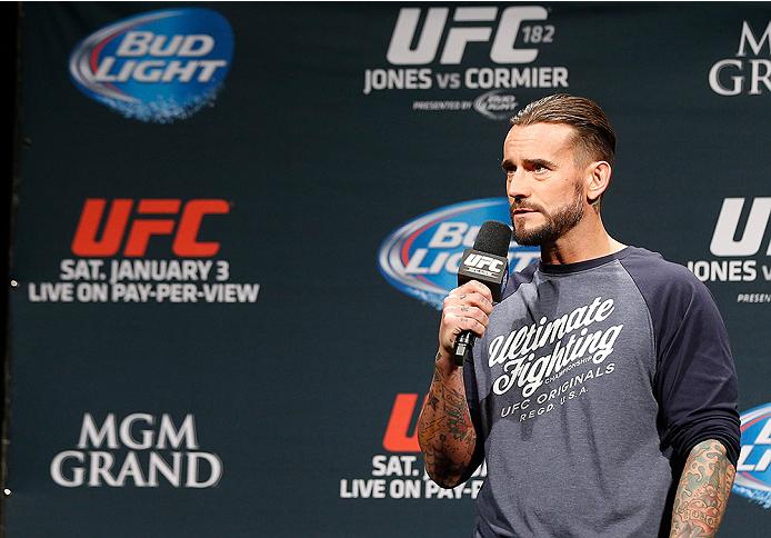 CM Punk (foto) precisou de adiar sua estreia no UFC. Foto:  Josh Hedges/Zuffa LLC