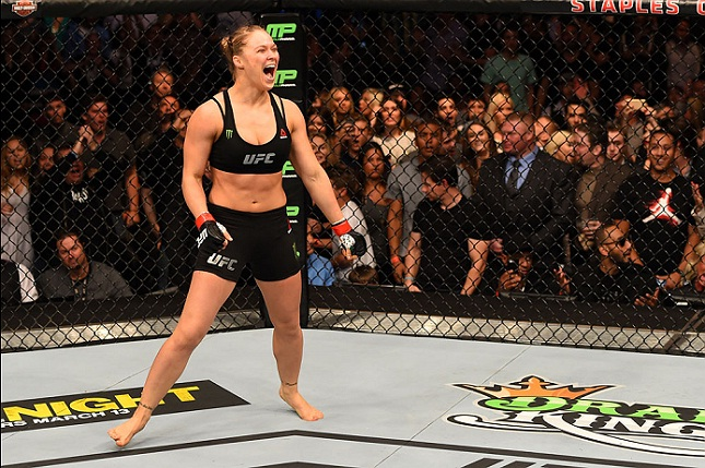 Ronda faz nova defesa de cinturão no UFC 193. Foto: Josh Hedges/UFC