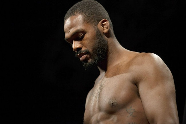 J. Jones (foto) perdeu cinturão do UFC após polêmica.  Foto: UFC