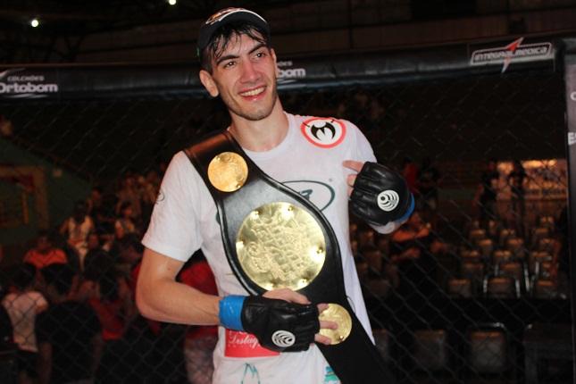 J. Bilharinho está invicto como profissional, em seis lutas. Foto: Leonardo Fabri/Divulgação