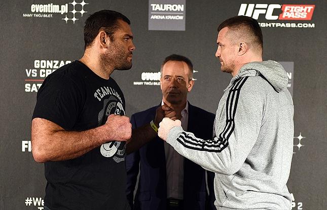 Gonzaga e Filipovic na encarada do Media Day na Polônia. Foto: Jeff Bottari/UFC