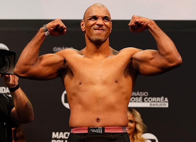 Pezão (foto) vem de duas vitórias consecutivas no octógono. Foto: Josh Hedges/UFC
