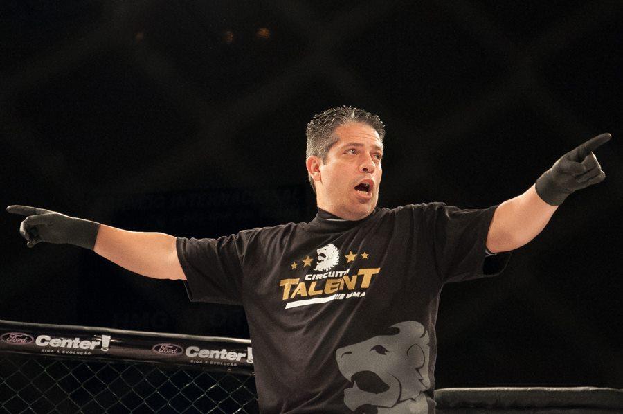 Flavio Almendra é árbitro de MMA profissional desde 1997. Foto: Divulgação/Circuito Talent