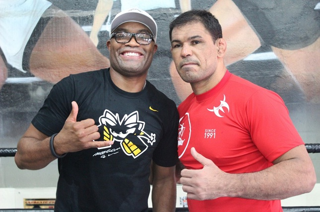 Anderson (esq.) e Minotauro (dir.): Spider ajudará amigo e mentor na preparação para o UFC Rio 7. Foto: Divulgação