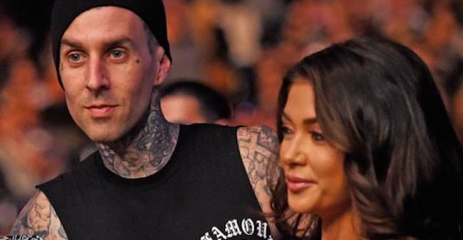 Ring Girl do UFC está namorando estrela do rock