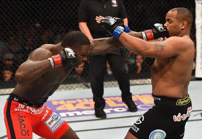 Johnson e Cormier se enfrentaram em maio de 2015. Foto: Divulgação/UFC