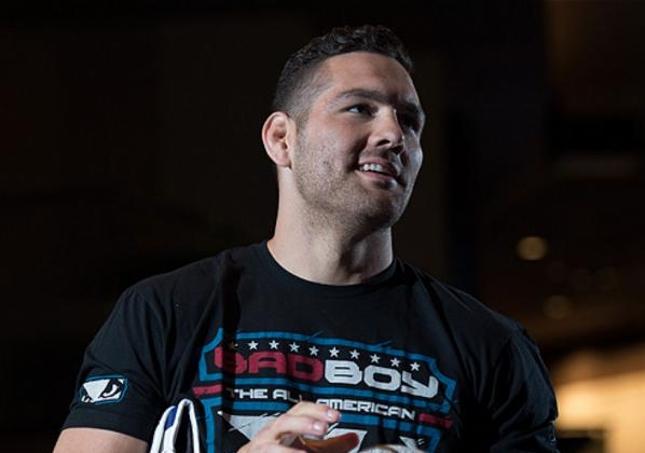 C. Weidman durante os treinos abertos do UFC 187. Foto: Reprodução/Twitter